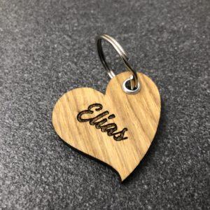 """Individueller Schlüsselanhänger """"Herz"""" aus Holz"""